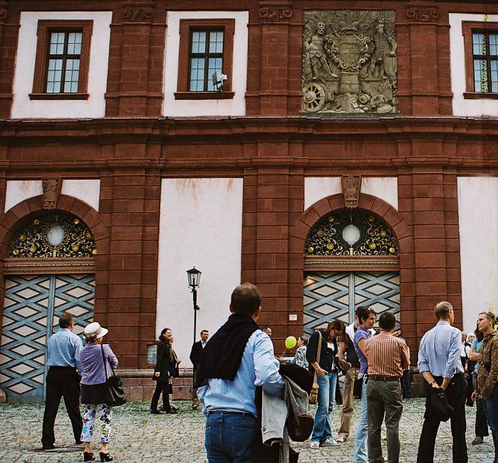2009-2_03_Eingang_zum_Mainfr_nkischen_Museum