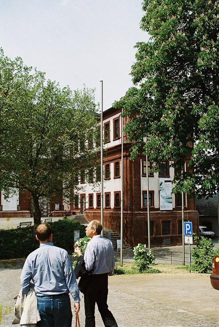 2009-2_04_Mainfr_nkisches_Museum