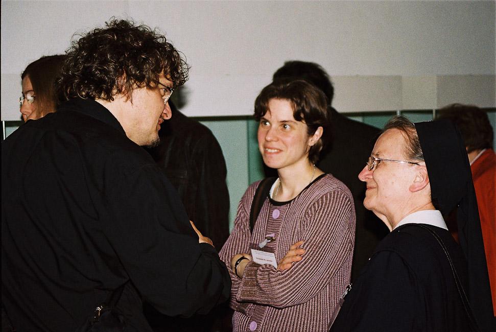 2009-2_15_In_der_Ausstellung